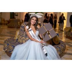 雪地靴 Miss World Australia 冠军...